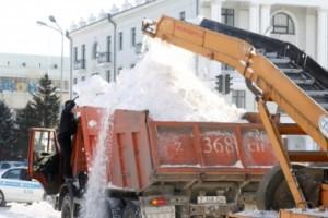 Столичные полицейские просят водителей не мешать снегоуборочной технике
